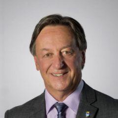M. Pierre Brodeur, maire de la Ville de Saint-Lambert