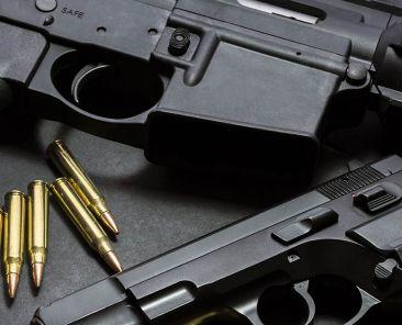 Armes de poing et munitions